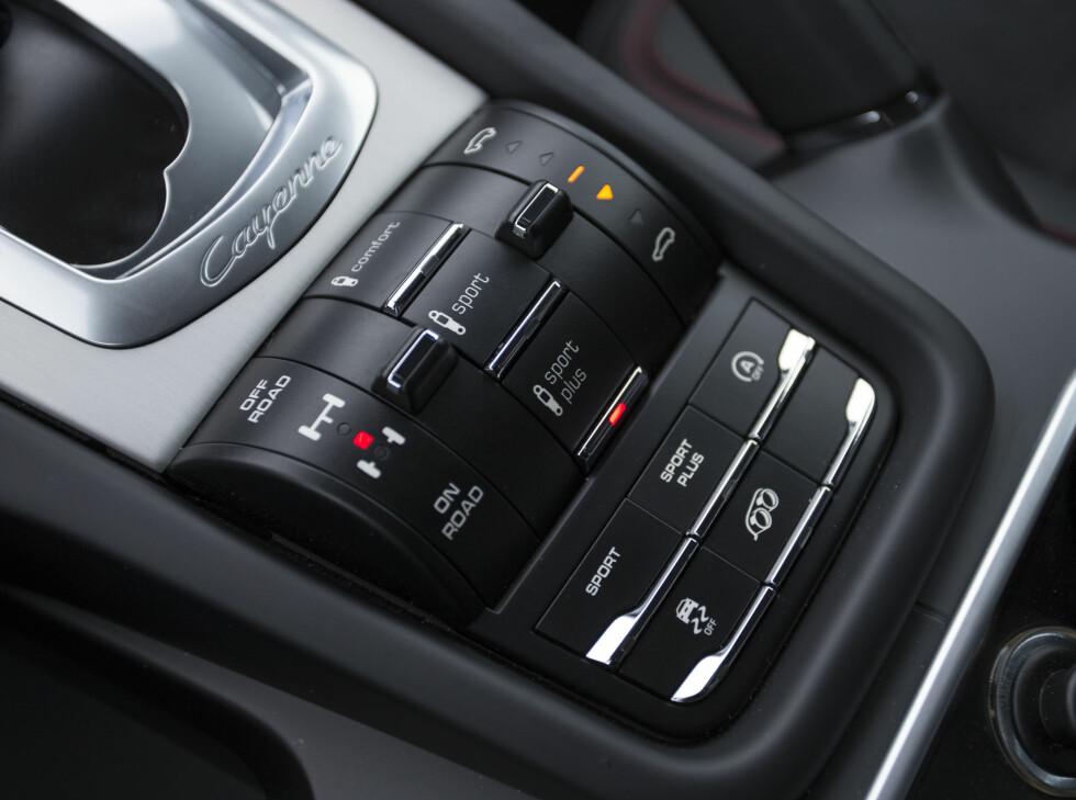 KNAPPER: Porsche elsker knapper. Greit når du er blitt vant til det. Foto: PORSCHE