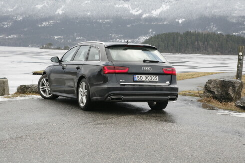 FORSIKTIG ENDRET: Audi er forsiktig når de først facelifter A6. Ikke alle klarer å skille denne fra forgjengeren. Foto: KNUT ARNE MARCUSSEN