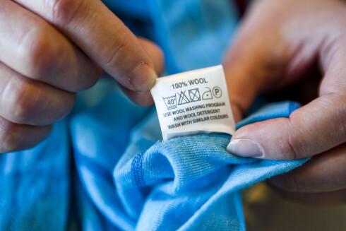 ULL I MASKIN: Det meste ulltøy kan fint vaskes på 40 grader om du velger ullprogram. Foto: PER ERVLAND