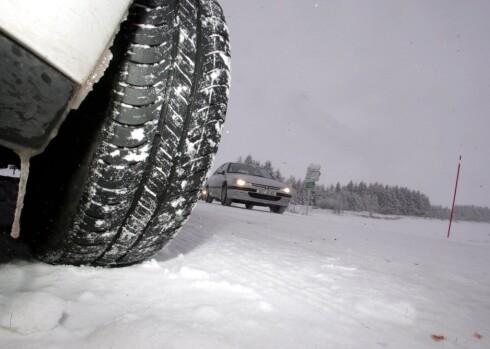 SITTER DET SKIKKELIG? En av fire risikerer faktisk å kjøre på hjul med for løse hjulbolter... Foto: COLOURBOX.COM