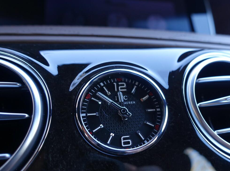 ANALOGT: Klokken lages av velrenomerte IWC. Foto: RUNE M. NESHEIM