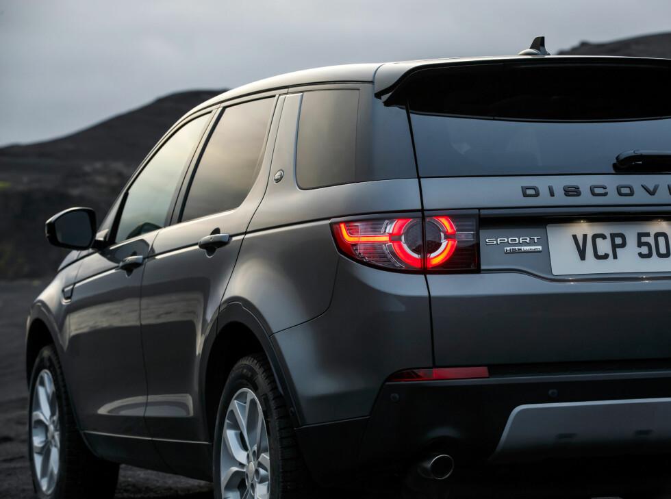 EN AV TRE: Land Rover skal fra nå av deles inn i tre modellserier. Discovery, Defender og Range Rover.  Foto: LAND ROVER