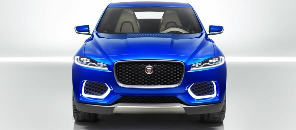 AGRESSIV: Jaguar har sagt de skal tilbake til sine racingrøtter, og F-Type var første modell i den retning. F-Pace blir en femseters crossover tydelig inspirert av sportsbilen F-Type. Foto: JAGUAR