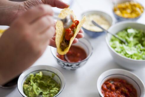 <strong><b>STRØ MED KORIANDER:</strong></b> Du må ikke lage fancy taco, det gir en fin spiss på helt vanlig norsk fredagstaco også. Foto: PER ERVLAND