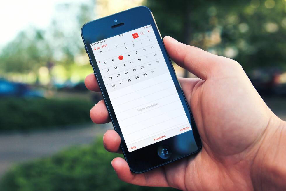 UKENUMRE: I iOS 8 er det endelig mulig å slå på visning av ukenumre, til glede for mange. Foto: PÅL JOAKIM OLSEN