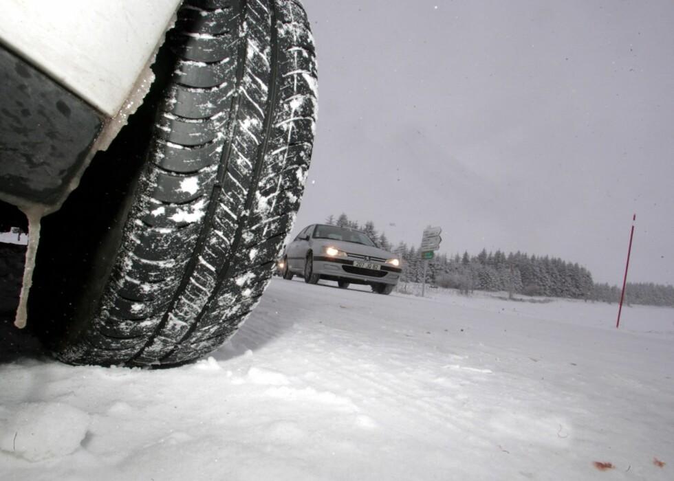 ORDENTLIGE SKO: Gode dekk er første bud på vinterføre. Foto: COLOURBOX.COM
