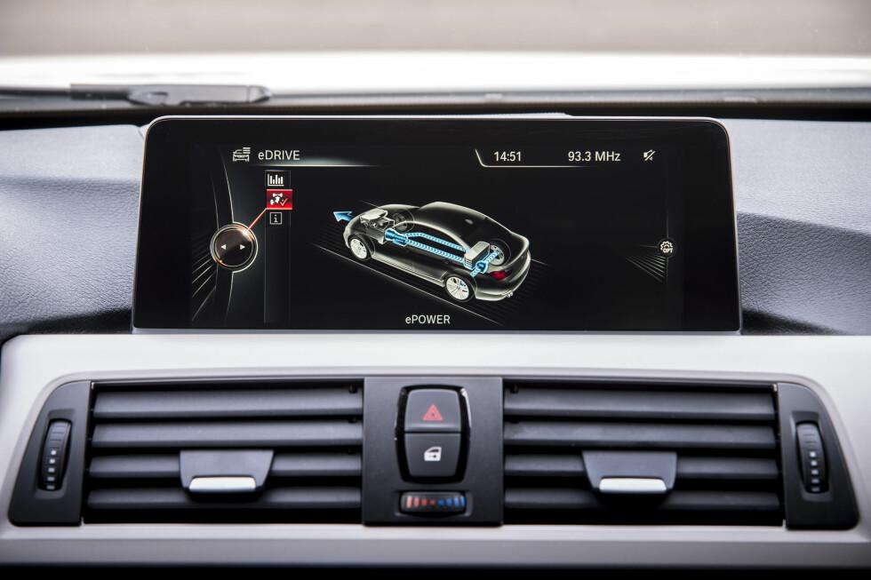 ELBIL-MODUS: Prototypen er konstruert for å tilby optimal kombinasjon av praktiske egenskaper og drivstoff-effektivitet. Derav en maksimal rekkevidde i el-modus på 35 kilometer. Toppfart med kun batteridrift: 120 kilometer i timen. Foto: BMW