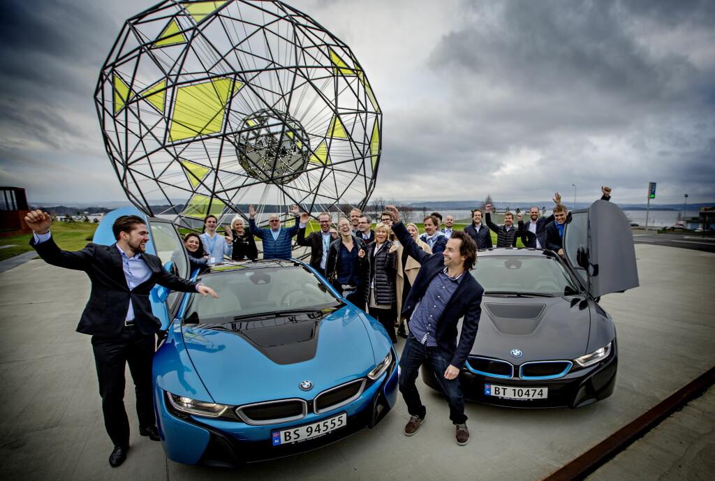 <b>FOLKETS FAVORITT:</b> I Årets Bil-kåringingen i regi av Dagbladet, Dinside og Autofil, ble BMW i8 kåret til folkets favoritt for 2015. Det er et tegn i tiden: Ladbare biler er i vinden som aldri før. Foto: ANITA ARNTZEN / DAGBLADET