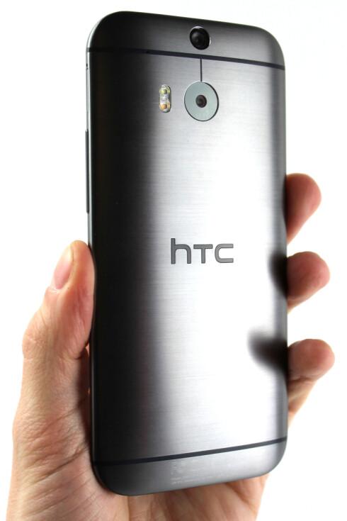 HTC ONE: HTCs Android-toppmodell er blant de mest stilige. Blir nykommeren like pen? Foto: OLE PETTER BAUGERØD STOKKE