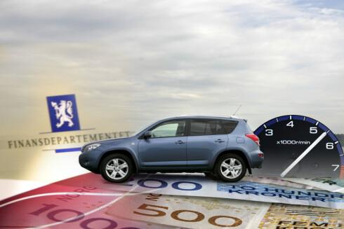 AVGIFTSKUTT: Blant annet omregistreingsavgiften og hybridbilavgifter skal ned i 2015. Foto: PER ERVLAND