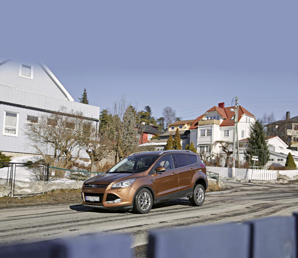 FORD KUGA: Kuga og Ranger har vært Fords eneste alternativ med 4x4. Nå får de selskap av Mondeo og C-Max. Foto: KNUT ARNE MARCUSSEN