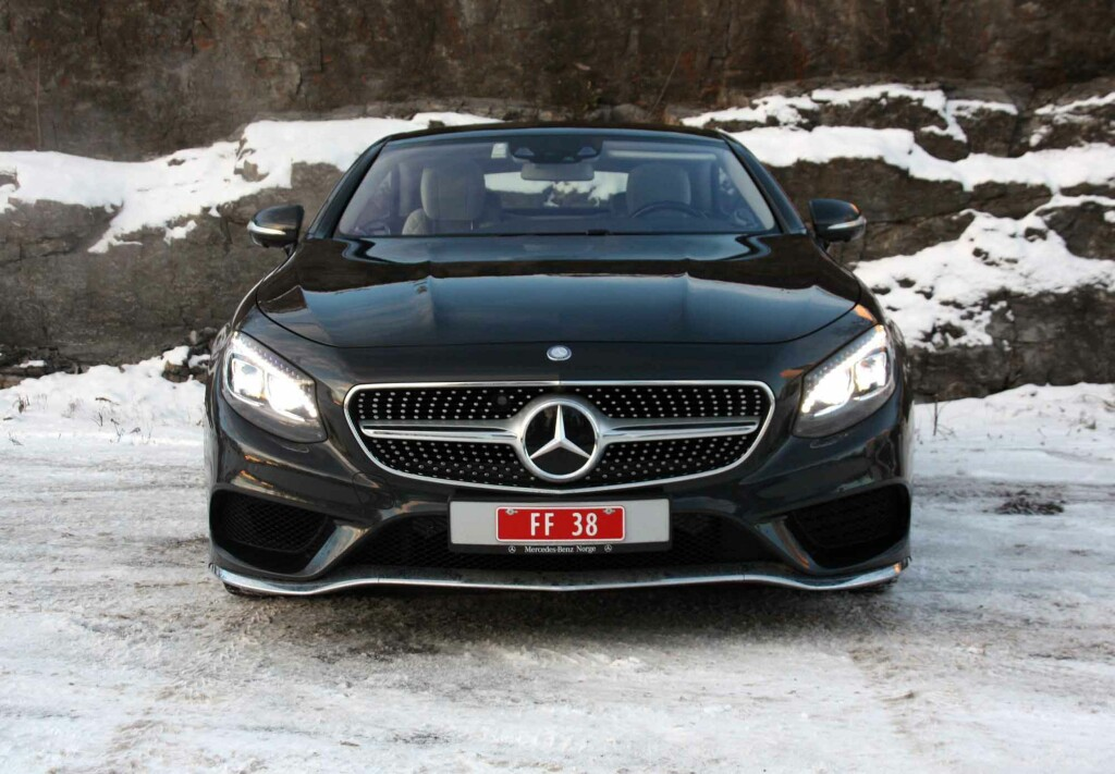 DAS BESTE ODER NICHTS: Joda, med S 500 Coupé lever Mercedes-Benz utvilsomt opp til sitt slagord. Foto: KNUT MOBERG