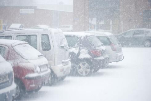 EGENTLIG OPPLAGT:Vinter og kulde krever litt mer av oss som bilister, enten vi kjører bensin eller diesel... Foto: COLOURBOX