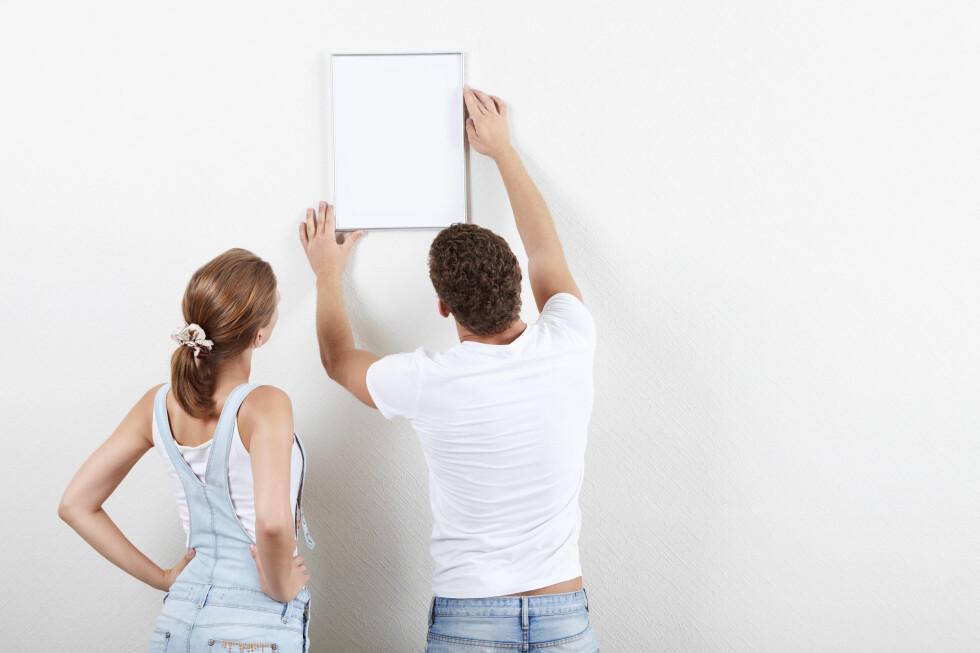 <strong><b>HVORDAN:</strong></b> Hvilket oppheng og hvilket verktøy du trenger er avhengig av hva du har i veggene. Foto: ALL OVER PRESS