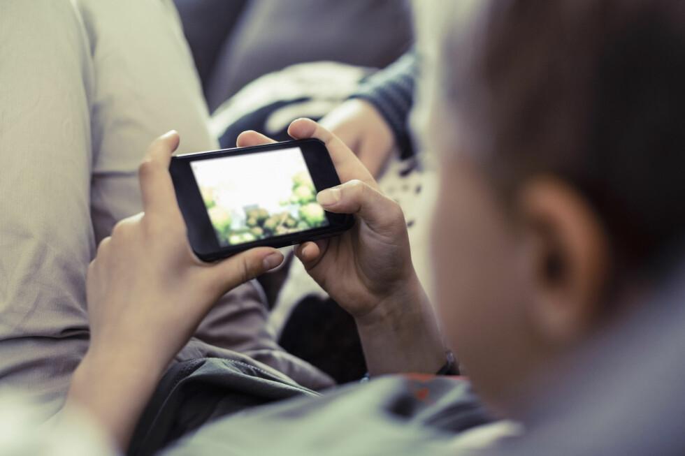 SNART FERIE: Har du tid til overs i ferien, finnes det mange morsomme mobilspill å hygge seg med. Foto: ALL OVER PRESS