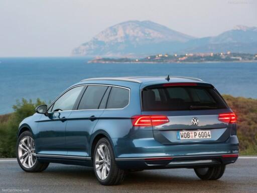 NYE PASSAT: I denne klassen biler selges det fortsatt mest diesel. I klassene under foretrekker flertallet av kundene bensinmotor.  Foto: VW