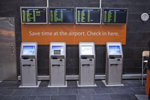 SJEKK INN PÅ TOGSTASJONEN: Du kan også sjekke inn på Flytogterminalen på Oslo S eller Drammen stasjon. Foto: Per Ervland