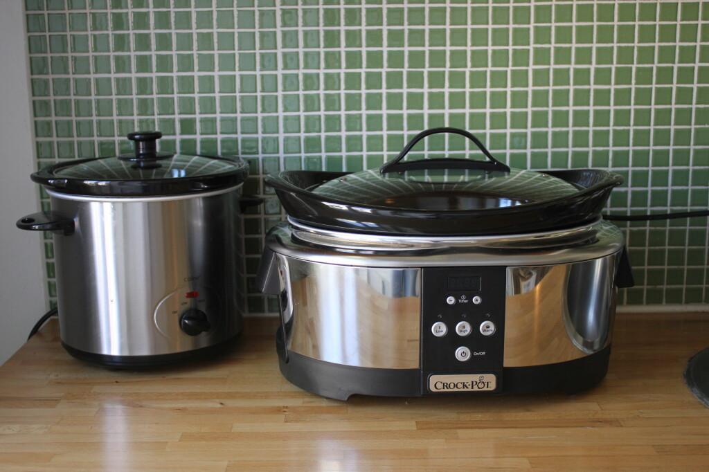 <b>PERFEKT TIL TRAVLE FAMILIER:</b> En slow-cooker er gaven som gir mer tid i hverdagen: Middagen slenger du oppi gryten før dere drar om morgenen, og så er den klar når dere kommer sultne hjem fra skole, barnehage og jobb. Foto: ELISABETH DALSEG