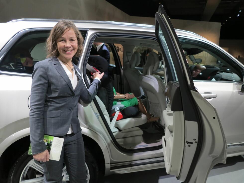 FORSKER PÅ BARN I BIL: Magdalena Lindman i Volvo har ansvaret for å analysere innkomne trafikkdata etter ulykker med barn i bil.  Foto: FRED MAGNE SKILLEBÆK