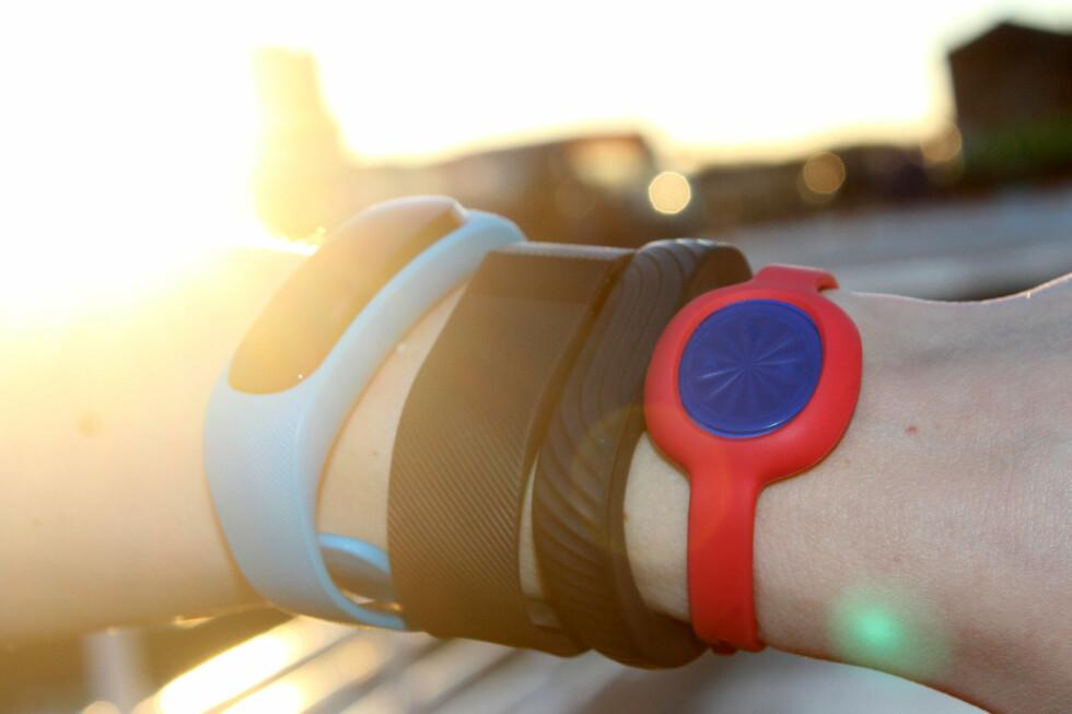 MER ENN BARE PYNT: Disse armbåndene kan fungere som din personlige trener som får deg opp av sofaen og i aktivitet. Foto: OLE PETTER BAUGERØD STOKKE