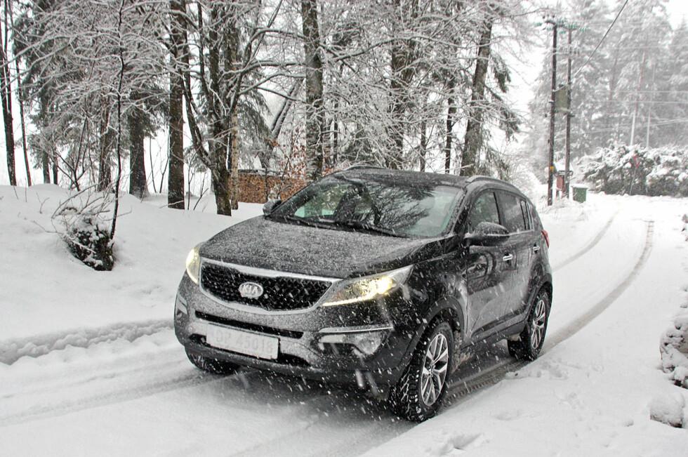 ENGSTELIGE BILISTER: NAF har publisert en undersøkelse som viser at annenhver norsk bilist er engstelig for å kjøre bil om vinteren. Foto: KNUT MOBERG