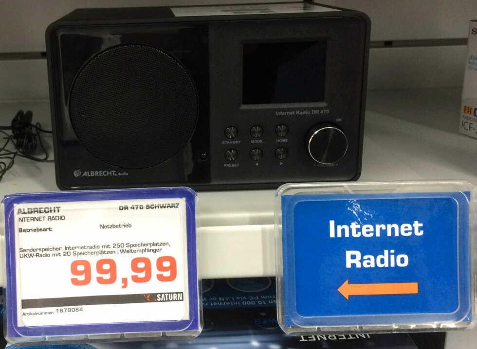 <b>SAMME RADIO?</b> Denne fant vi i Berlin under navnet «Albrecht». Mistenkelig lik Amadeus. Foto: TORE NESET