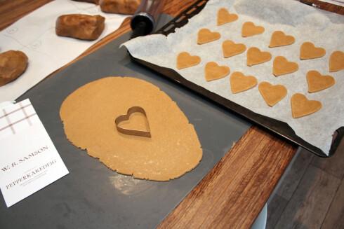 LETT Å BAKE? Bakingen skal være hyggelig. Da må deigen være lett å ha med å gjøre, som denne fra Samson. Foto: KRISTIN SØRDAL