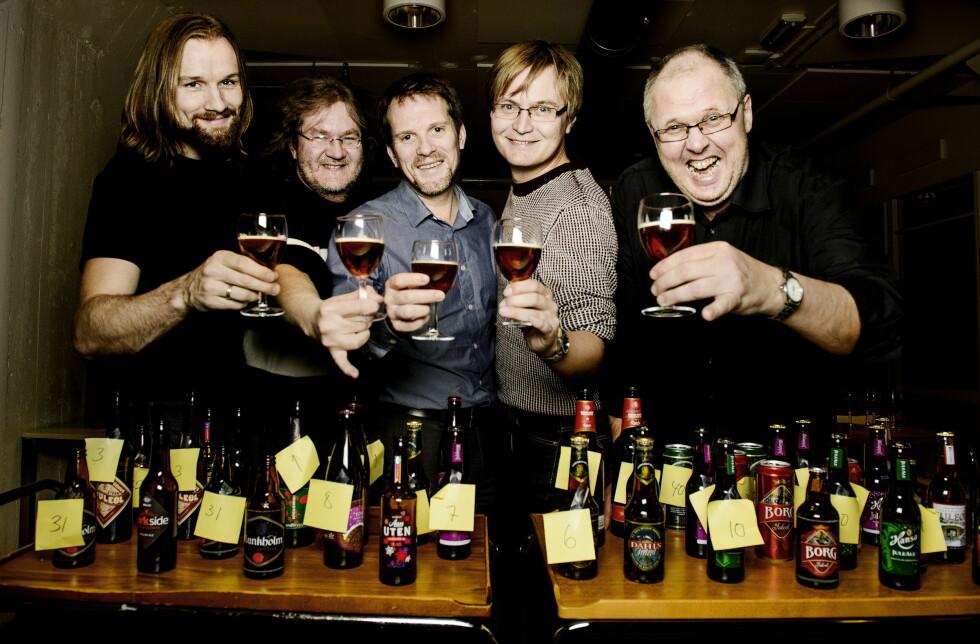 SMAKSPANEL: Fra venstre Patrick Schneider, Tor Engen, Henrik Svalheim, Ivar Espedal og Hylje Mortensen. Foto: JOHN TERJE PEDERSEN/DAGBLADET