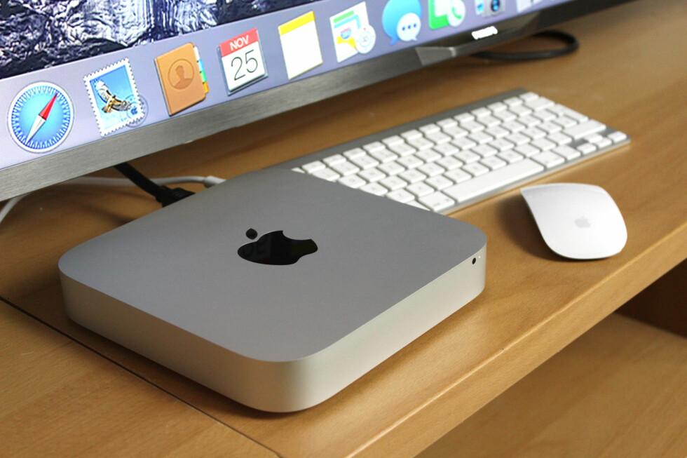 DEN BILLIGSTE: Mac mini er den rimeligste inngangsbilletten til Mac-verdenen. Pen og enkel å bruke, men den er ikke helt uten begrensninger. Foto: OLE PETTER BAUGERØD STOKKE