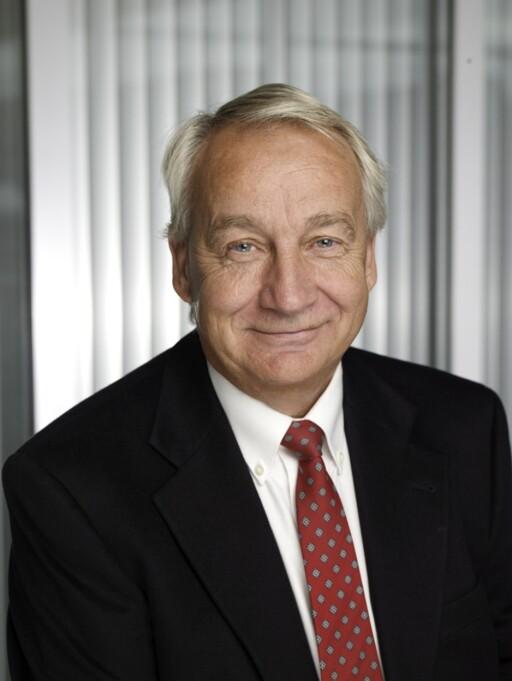 SVÆRT FORNØYD: Jan Pettersen, administrerende direktør i Kia Bil Norge AS, er en glad mann etter kåringen.  Foto: BOS