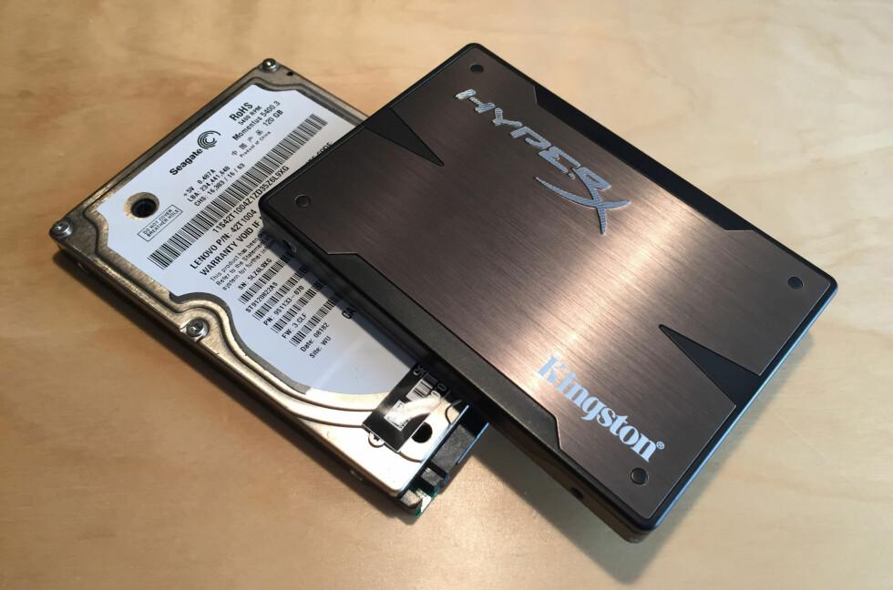 <strong><b>OLJA LYN:</strong></b> SSD-en (øverst) er flere ganger raskere enn harddisken (nederst). Den er dessuten musestille og blir ikke varm. Vår guide forteller deg hvordan du kan oppgradere. Foto: BJØRN EIRIK LOFTÅS