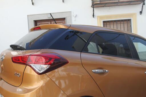 SIGNATUR: Det sorte feltet på C-stolpen gjør at alle vil klare å skille bilen fra konkurrentene. Foto: RUNE M. NESHEIM