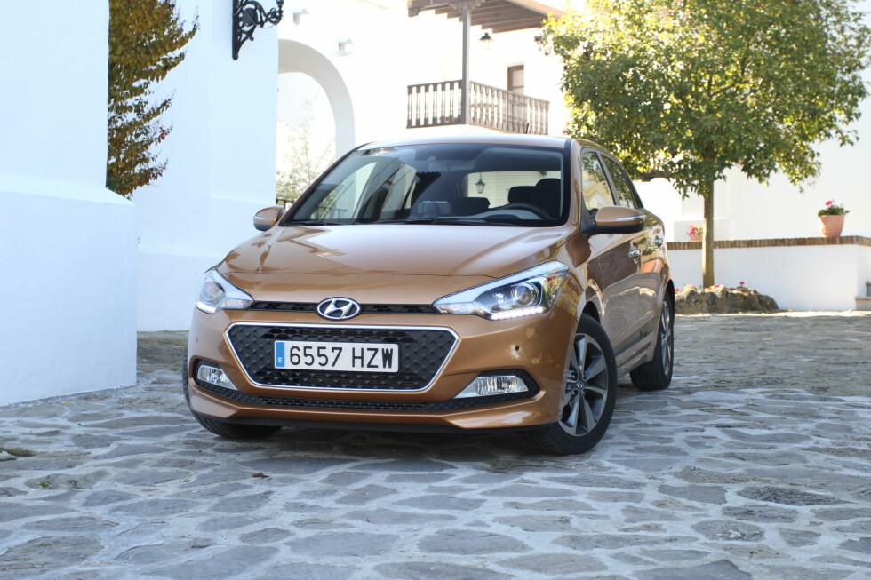 GODKJENT: Men har vi ikke sett det før? Ikke mange hadde reagert om det var en Peugeot-logo i fronten. Foto: RUNE M. NESHEIM