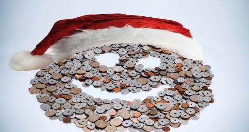 JULELØNN: På grunn av halv skatt på desemberlønna får de fleste av oss litt mer utbetalt. Men du slipper ikke unna skatten helt - derimot betaler du litt ekstra resten av året. Foto: PER ERVLAND