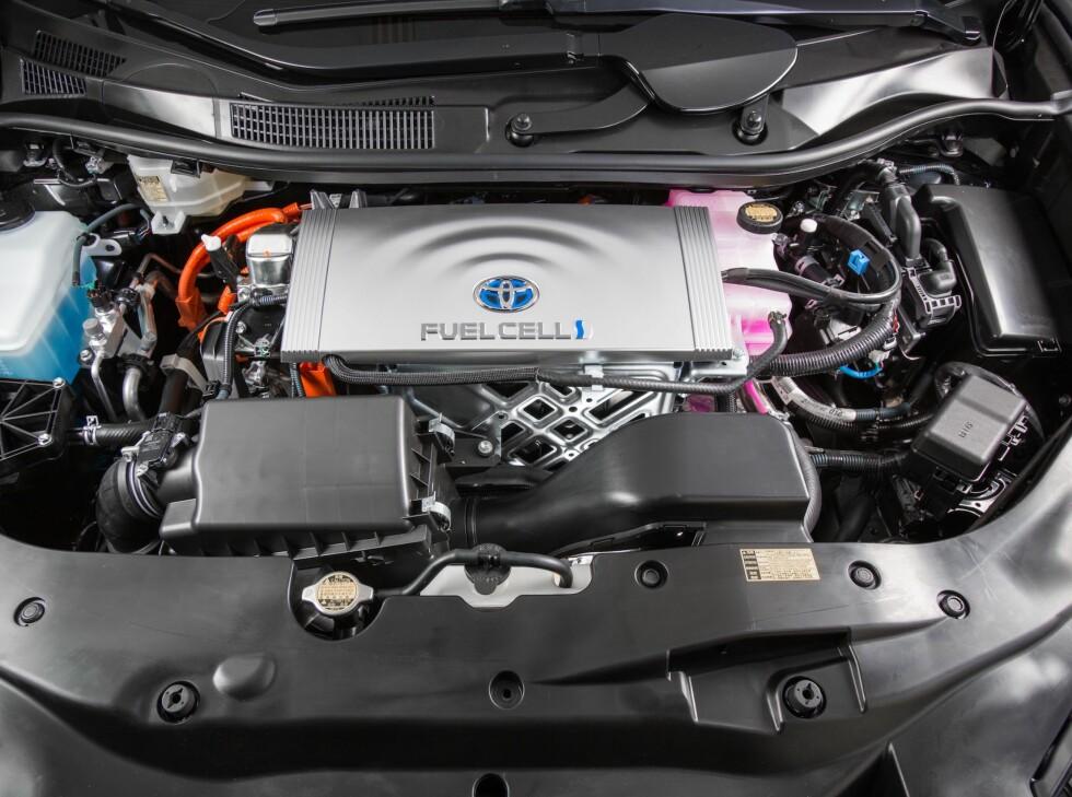 Fullpakket: Det er mye teknologi som skal inn i en bil, selv om den ikke har en konvensjonell forbrenningsmotor.  Foto: TOYOTA