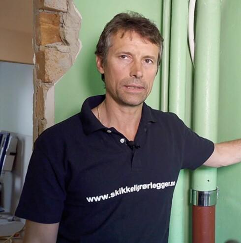 SKRU AV KOBLINGEN er rådet fra Ben Schreier i Varme & Bad. Foto: ANTI MEDIA / SKIKKELIGRØRLEGGER