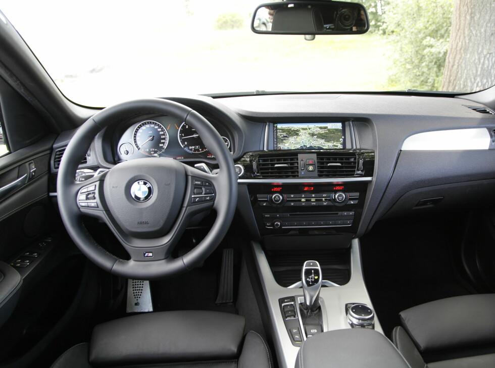 Interiøret er typisk BMW.  Foto: ESPEN STENSRUD