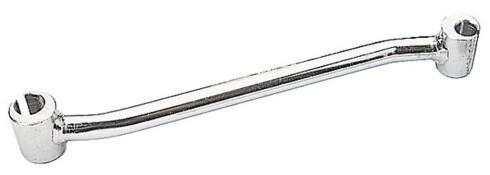 TIL RETTING: Med en hengselretter kan du rette opp dører som går skjevt. Foto: CLAS OHLSON