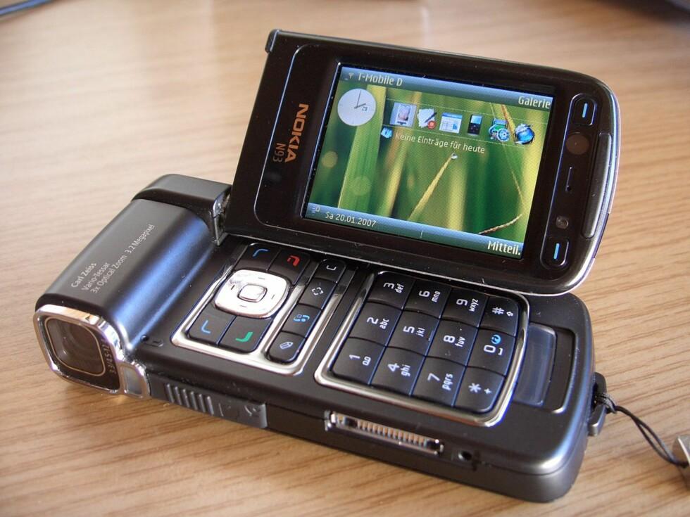 VIDEOKAMERA MED MOBIL: N93 var en oppsiktsvekkende telefon i sin tid. Foto: affemitwaffe/CC BY-SA 3.0