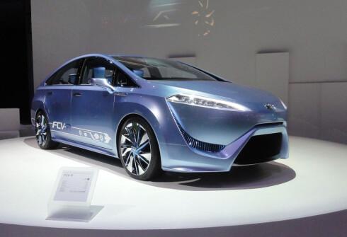 TOYOTAS BIDRAG: Slik så prototypen til Toyota ut i Tokyo i 2011. Produksjonsversjonen skal komme til neste år. Foto: KNUT MOBERG