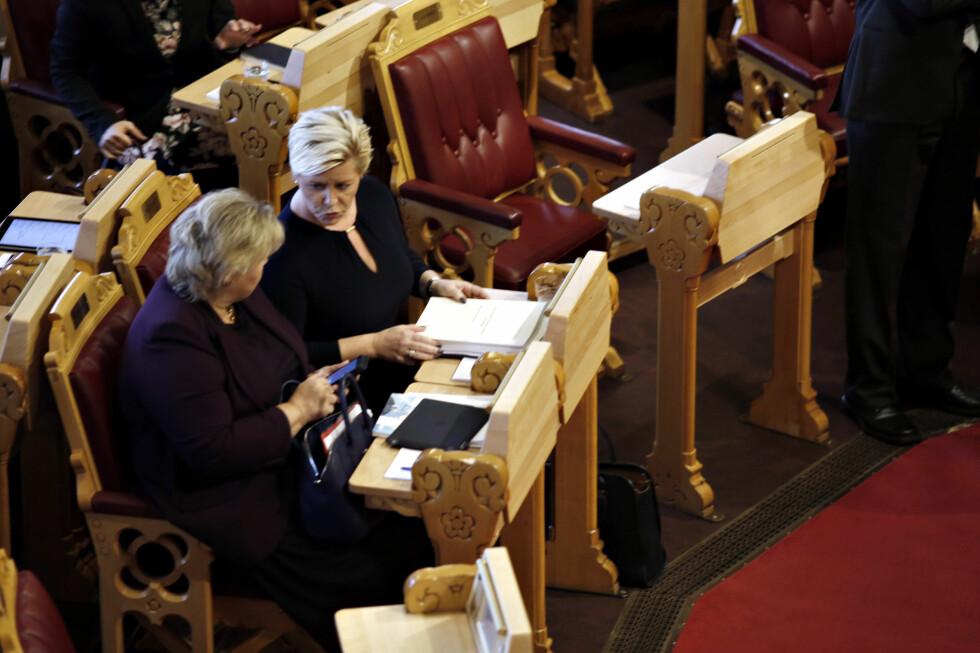 DAGPENGEKUTT: Regjeringen, her representert ved statsminister Erna Solberg og Finansminister Siv Jensen, vil fjerne dagpengemottakernes ferietillegg. Foto: ANITA ARNTZEN / DAGBLADET