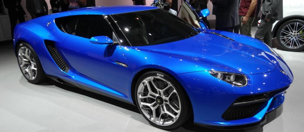 Hybrid-bølgen: Lamborghini kaster seg inn i kampen om å ha den sterkeste hybrid-bilen.  Foto: Knut Moberg