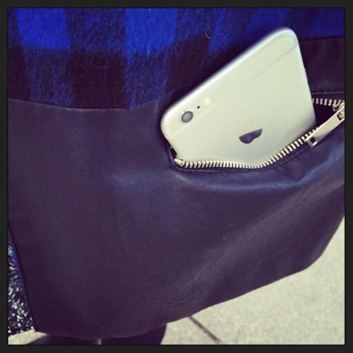 FÅR DU PLASS? Apples nye giganttelefon gir noen nye utfordringer med tanke på oppbevaring. Foto: KIRSTI ØSTVANG