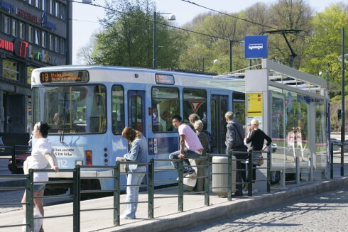 HER TAPER OSLO: Oslo er også den dyreste storbyen å reise kollektivt med,  ifølge ADACs prissjekk. Et dagspass i Oslo koster 90 kroner, mens  det koster 21 kroner i Beograd (2,52 euro). Foto: COLOURBOX.COM