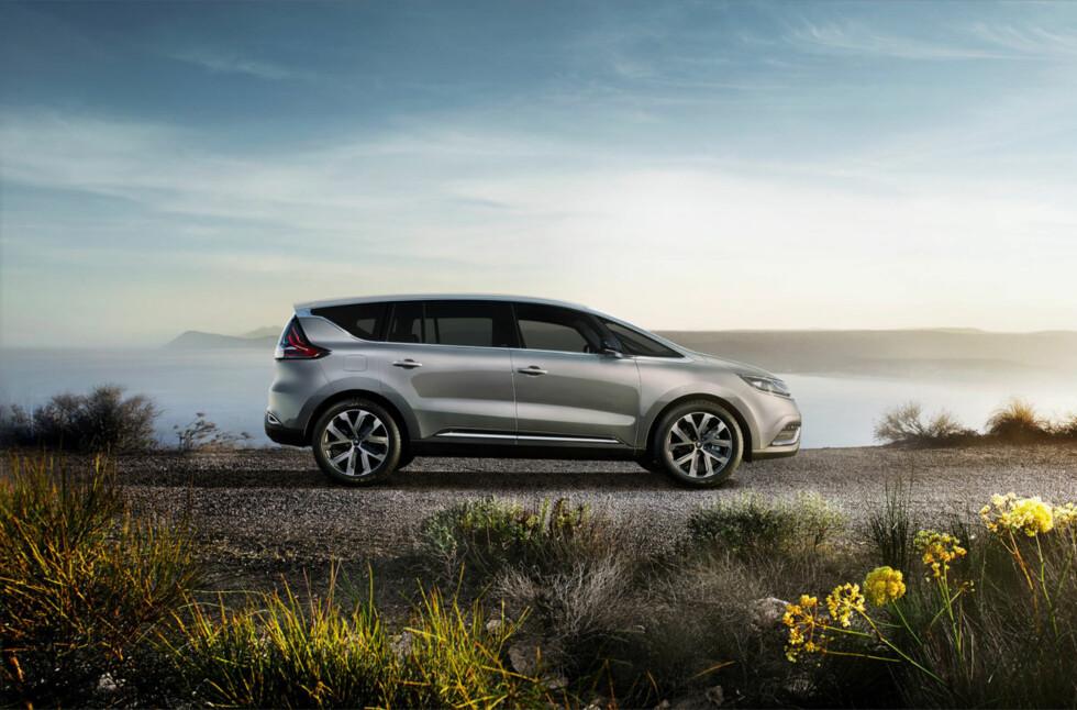 SLIK BLIR DEN: Joda, Renault Espace blir nesten overraskende lik konseptbilen - dette er en ganske innovativ stil (igjen), fra Renault. Så gjenstår det å se om den faller i smak hos publikum. Foto: RENAULT