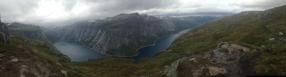 NYDELIG: Spektakulær utsikt over Ringdalsvatnet.  Foto: Bjørn Eirik Loftås
