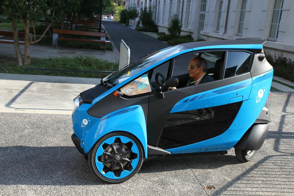 FREMTIDENS BIL? Toyota i-ROAD kan vise veien for fremtidens bybiler.  Foto: Arnstein Landsem