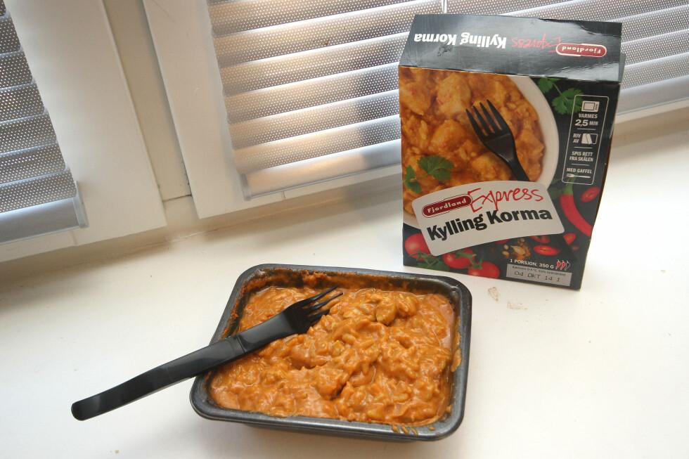 HVOR ER GRØNNSAKENE: Her er det mye saus og ris og lite annet. Men det smaker godt. Foto: OLE PETTER BAUGERØD STOKKE