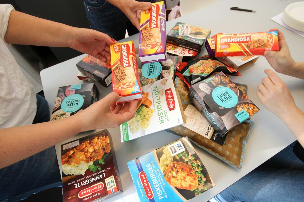 VI SMAKSTESTER 17 NYE FERDIGMIDDAGER: Fra pizzarull til pølser, karbonader og gryteretter. Vi har smakt oss gjennom 17 nye ferdigmiddager, og her er det store forskjeller! Foto: OLE PETTER BAUGERØD STOKKE