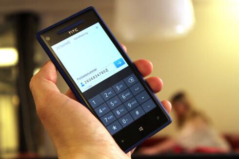 PÅ MOBIL: BANKID 2.0 skal fungere uansett operativsystem på mobilen. Foto: OLE PETTER BAUGERØD STOKKE